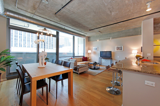 1 Bedroom, Streeterville Rental in Chicago, IL for $2,400 - Photo 2