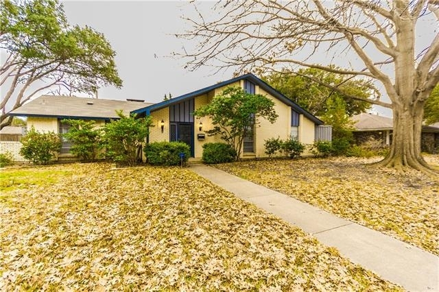 3 Bedrooms, Highland Meadows Rental in Dallas for $1,993 - Photo 2