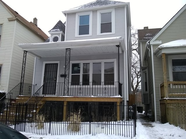 4 Bedrooms, South Shore Rental in Chicago, IL for $1,500 - Photo 1