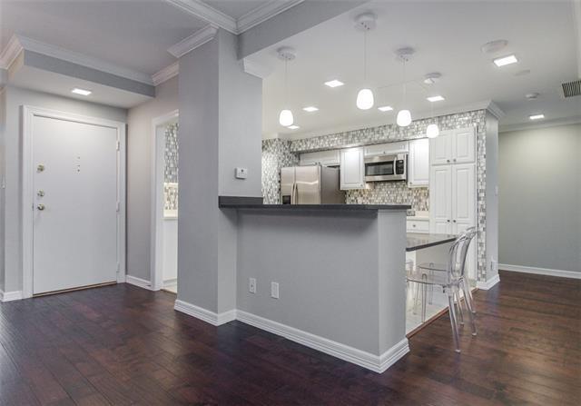 2 Bedrooms, Bonaventure Condominiums Rental in Dallas for $2,900 - Photo 2