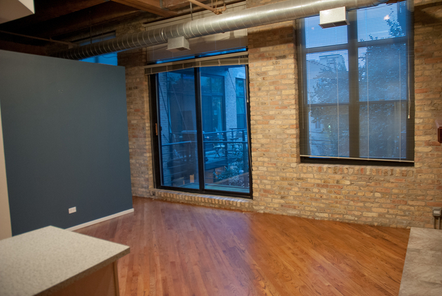 2 Bedrooms, Bucktown Rental in Chicago, IL for $2,000 - Photo 2