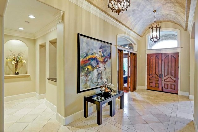 4 Bedrooms, Royal Oaks Country Club Rental in Houston for $10,500 - Photo 2