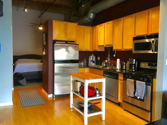 1 Bedroom, Fulton Market Rental in Chicago, IL for $2,150 - Photo 2