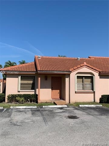2 Bedrooms, Villa Homes at The Moors Rental in Miami, FL for $1,650 - Photo 1