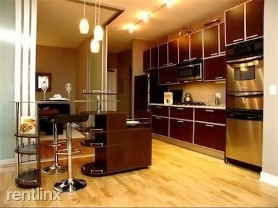 1 Bedroom, Fulton River District Rental in Chicago, IL for $2,339 - Photo 2