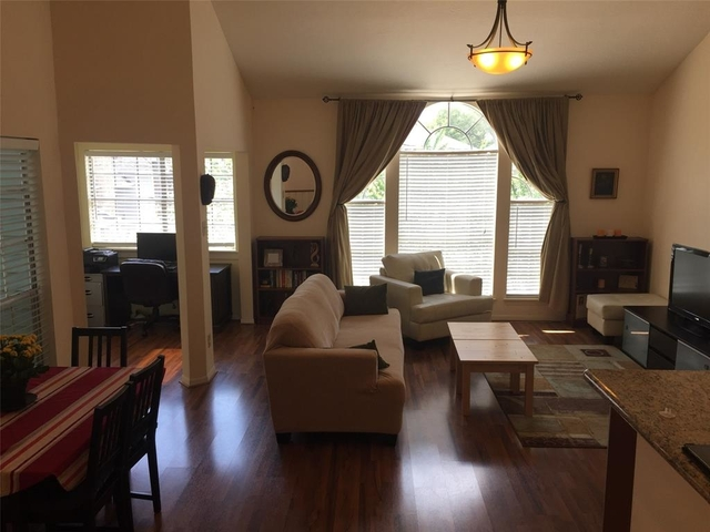 2 Bedrooms, Woodland Heights Rental in Houston for $2,090 - Photo 2