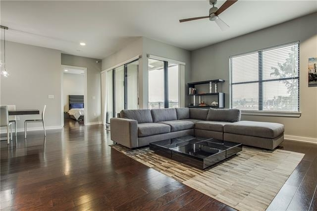 2 Bedrooms, Cultural District Rental in Dallas for $2,500 - Photo 2