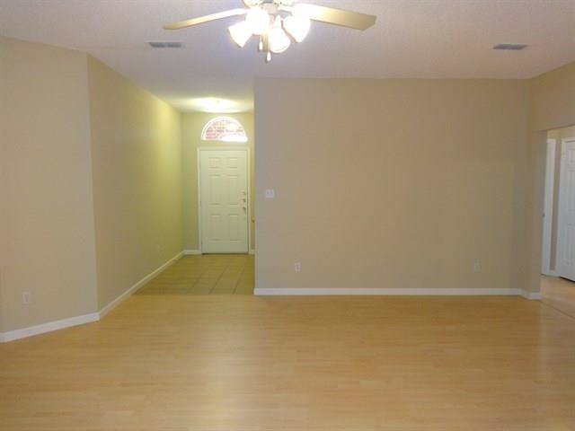 4 Bedrooms, Garden Springs Rental in Dallas for $1,750 - Photo 2