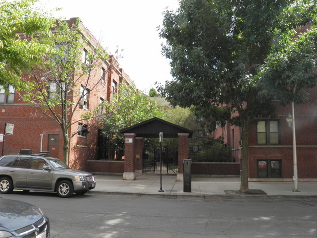 2 Bedrooms, Lakeview Rental in Chicago, IL for $1,575 - Photo 1