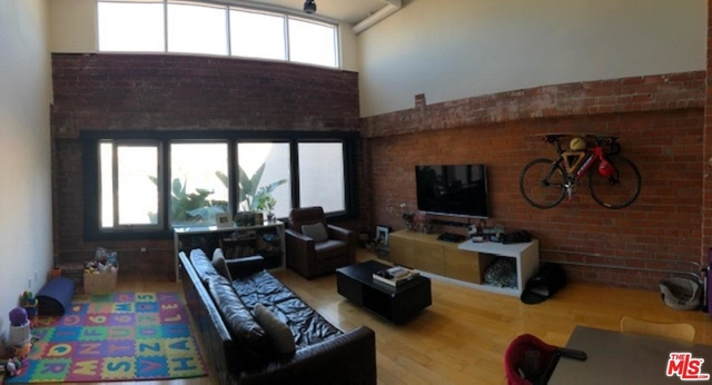 1 Bedroom, Arts District Rental in Los Angeles, CA for $3,300 - Photo 2