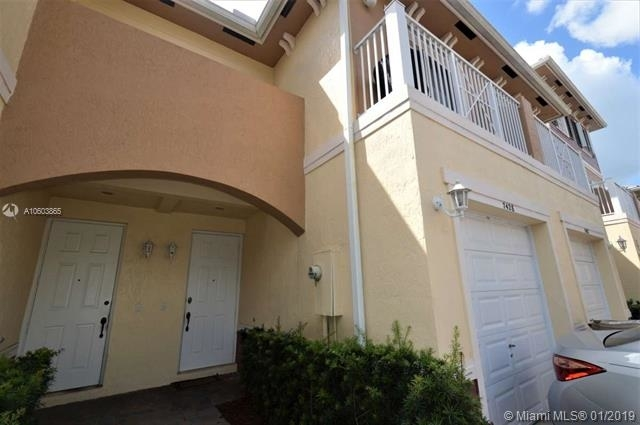 2 Bedrooms, Country Western Store Rental in Miami, FL for $1,800 - Photo 2