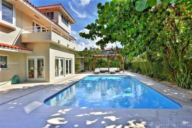 4 Bedrooms, Biscayne Key Estates Rental in Miami, FL for $8,900 - Photo 2