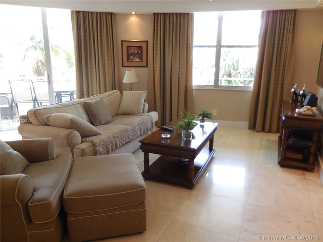 2 Bedrooms, Oceanfront Rental in Miami, FL for $5,000 - Photo 1