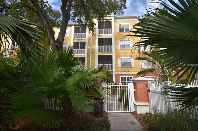 2 Bedrooms Fairoaks Manhattan Manor Rental In Tampa St Petersburg