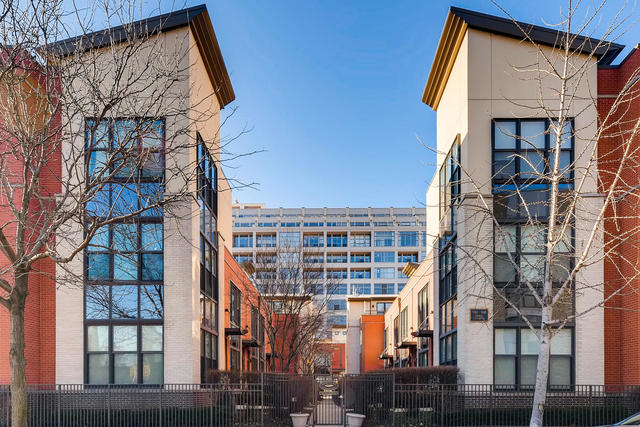 2 Bedrooms, Goose Island Rental in Chicago, IL for $2,750 - Photo 1