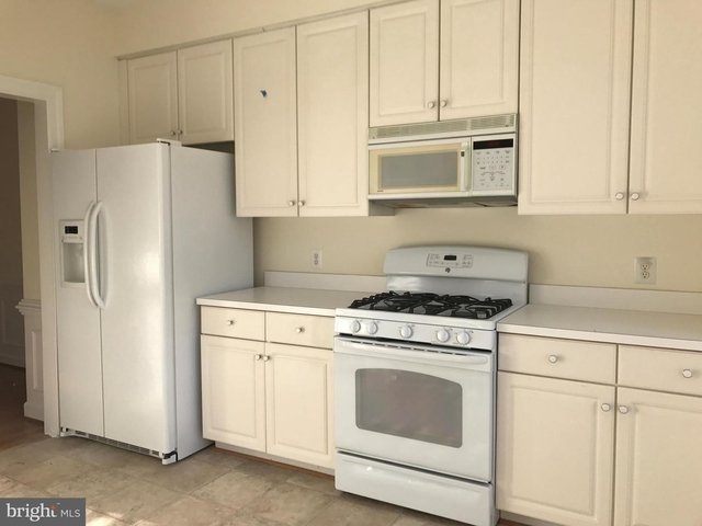 3 Bedrooms, Stonegate Rental in Washington, DC for $3,200 - Photo 2