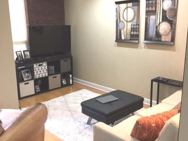 2 Bedrooms, Lincoln Park Rental in Chicago, IL for $2,200 - Photo 1