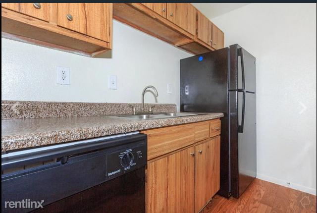 3 Bedrooms, Southbelt - Ellington Rental in Houston for $1,299 - Photo 2