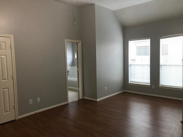 4 Bedrooms, New Territory Rental in Houston for $1,750 - Photo 2