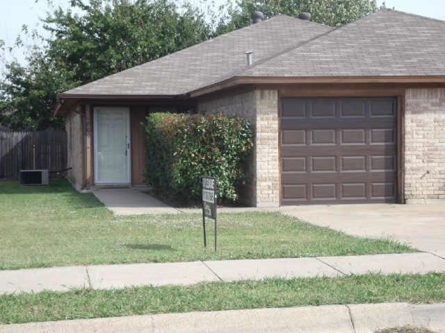 2 Bedrooms, Saginaw Rental in Dallas for $995 - Photo 1