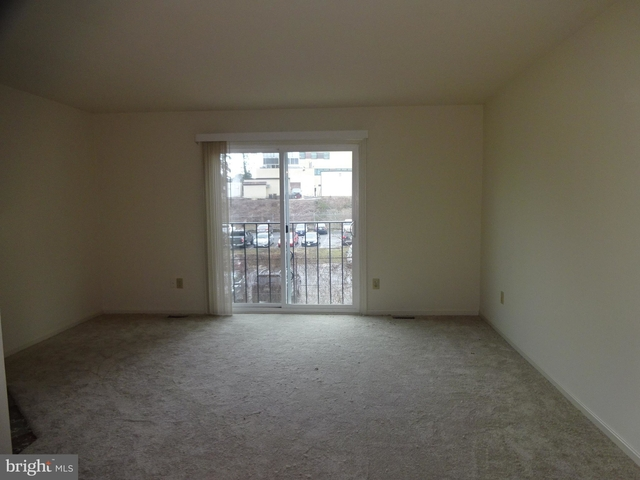 2 Bedrooms, Penrose Rental in Washington, DC for $2,250 - Photo 2