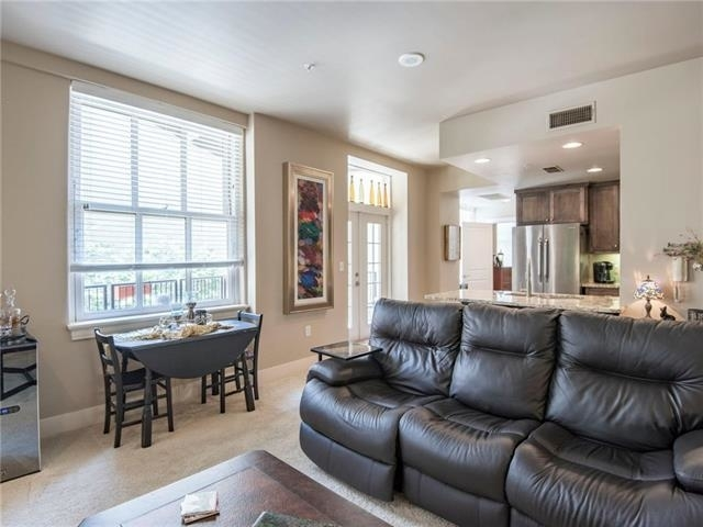 2 Bedrooms, Downtown Fort Worth Rental in Dallas for $2,495 - Photo 2