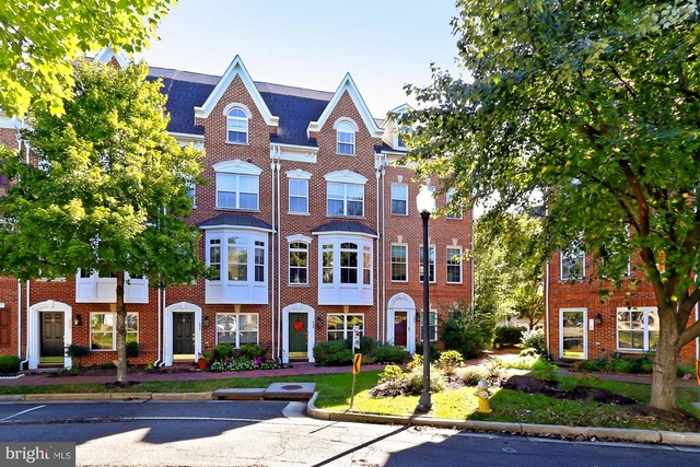 3 Bedrooms, Cameron Station Rental in Washington, DC for $3,350 - Photo 1