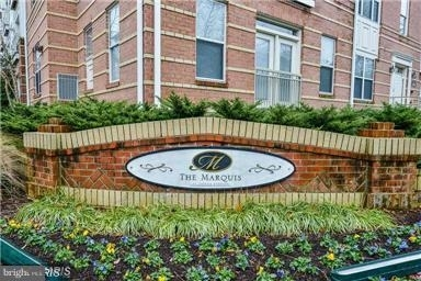 2 Bedrooms, Oakton Rental in Washington, DC for $2,100 - Photo 1