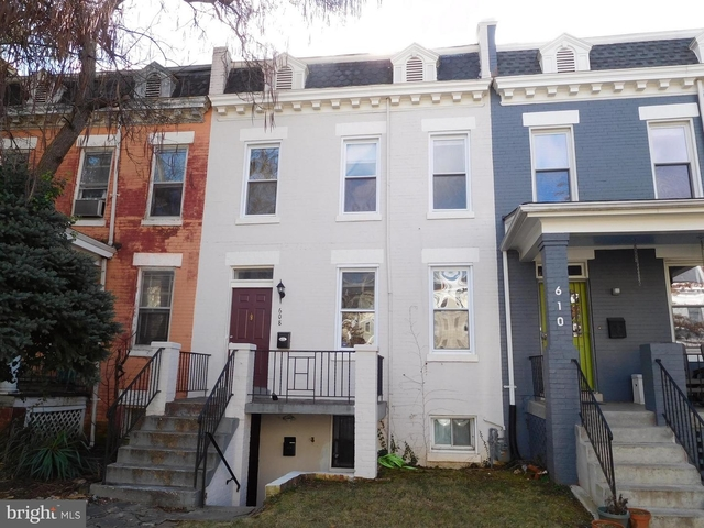 2 Bedrooms, Pleasant Plains Rental in Washington, DC for $3,150 - Photo 2