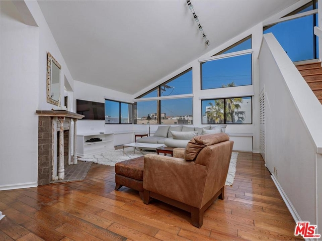 2 Bedrooms, Marina Peninsula Rental in Los Angeles, CA for $10,000 - Photo 2