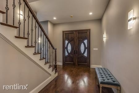 6 Bedrooms, Waban Rental in Boston, MA for $15,500 - Photo 2