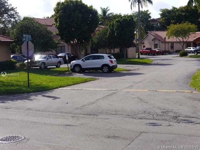 2 Bedrooms, Villa Homes at The Moors Rental in Miami, FL for $1,750 - Photo 2