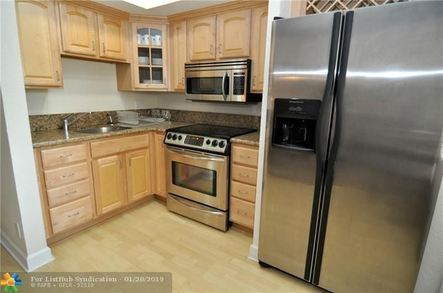 1 Bedroom, Beverly Heights Rental in Miami, FL for $1,500 - Photo 2
