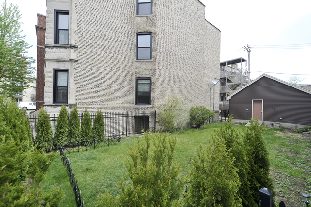 3 Bedrooms, Lakeview Rental in Chicago, IL for $2,295 - Photo 2