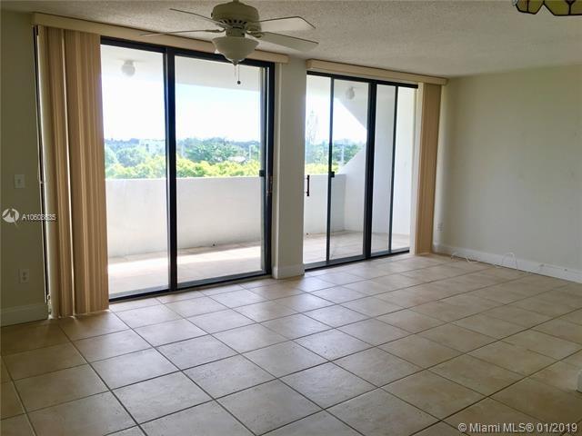 1 Bedroom, Brickell Estates Rental in Miami, FL for $1,400 - Photo 2