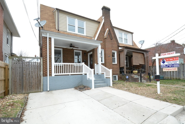 4 Bedrooms, Del Ray Rental in Washington, DC for $3,600 - Photo 1