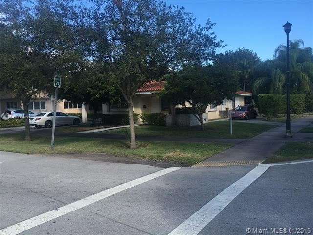 2 Bedrooms, Country Club Section Rental in Miami, FL for $1,950 - Photo 1