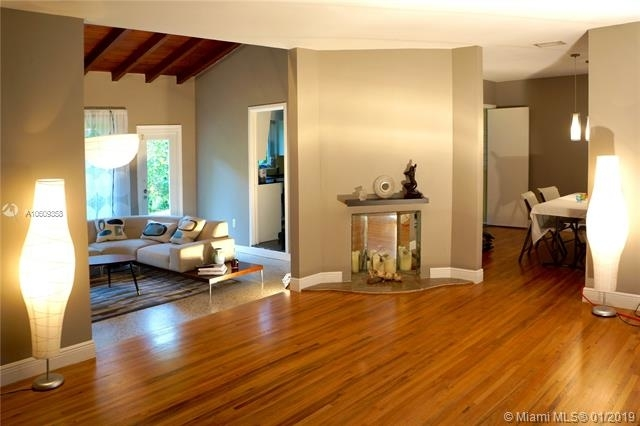 2 Bedrooms, Southeast Gables Rental in Miami, FL for $3,400 - Photo 2