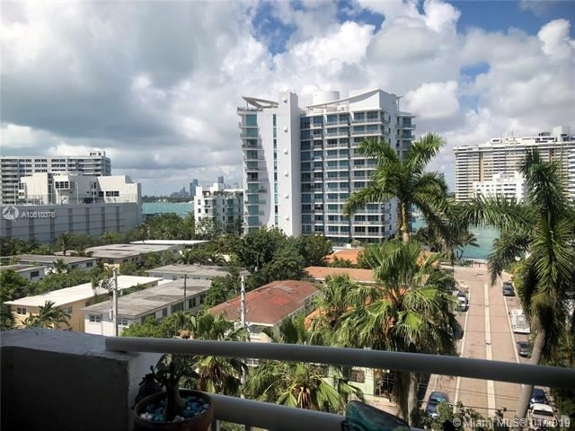 2 Bedrooms, West Avenue Rental in Miami, FL for $2,100 - Photo 2