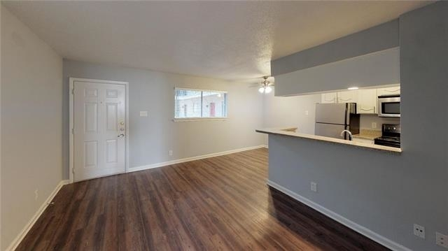 1 Bedroom, Vickery Place Rental in Dallas for $999 - Photo 2