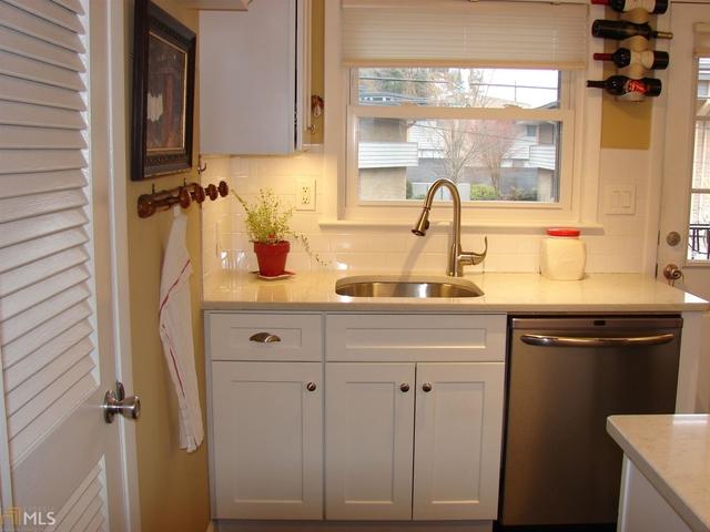 2 Bedrooms, East Chastain Park Rental in Atlanta, GA for $1,450 - Photo 2