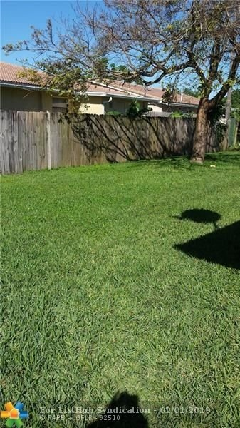 3 Bedrooms, Coral Springs Rental in Miami, FL for $1,600 - Photo 2