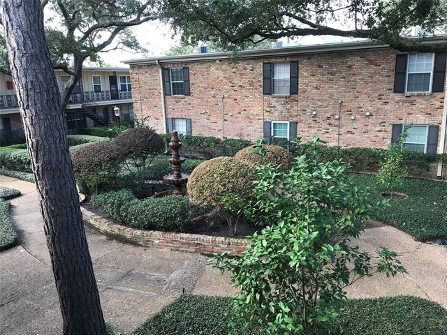 2 Bedrooms, Summit Court Condominiums Rental in Houston for $1,575 - Photo 2