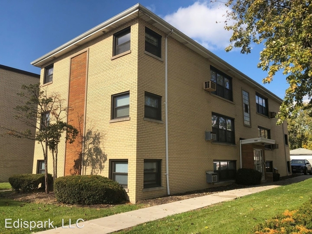 2 Bedrooms, Calumet Park Rental in Chicago, IL for $940 - Photo 1