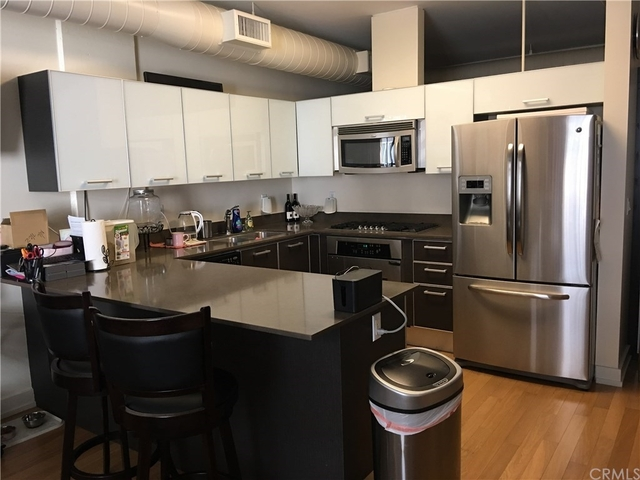 1 Bedroom, South Park Rental in Los Angeles, CA for $2,500 - Photo 2
