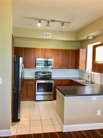 3 Bedrooms, Uptown Rental in Dallas for $3,961 - Photo 2