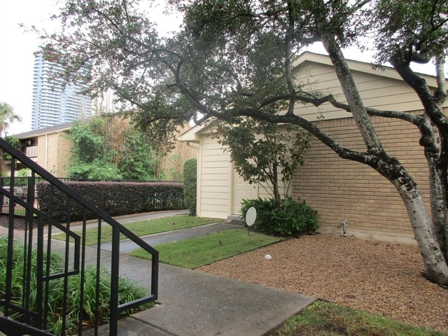 1 Bedroom, Cummins Ln Townhome Condominiums Rental in Houston for $1,200 - Photo 2
