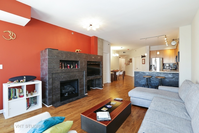 2 Bedrooms, Old Town Rental in Chicago, IL for $3,200 - Photo 2