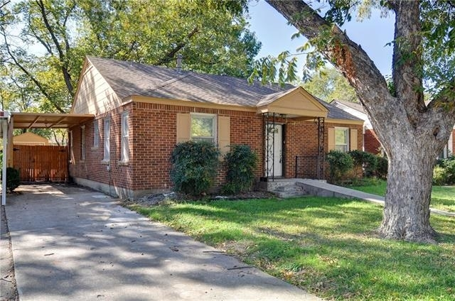 5 Bedrooms, University Court Rental in Dallas for $2,800 - Photo 2
