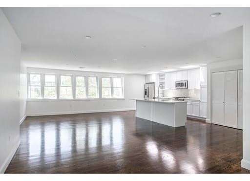 2 Bedrooms, Thompson Square - Bunker Hill Rental in Boston, MA for $4,500 - Photo 2